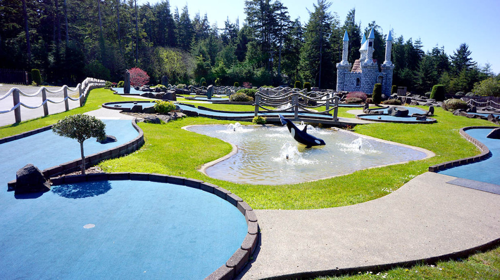 Miniature golf sandland adventures florence oregon for Garden city mini golf